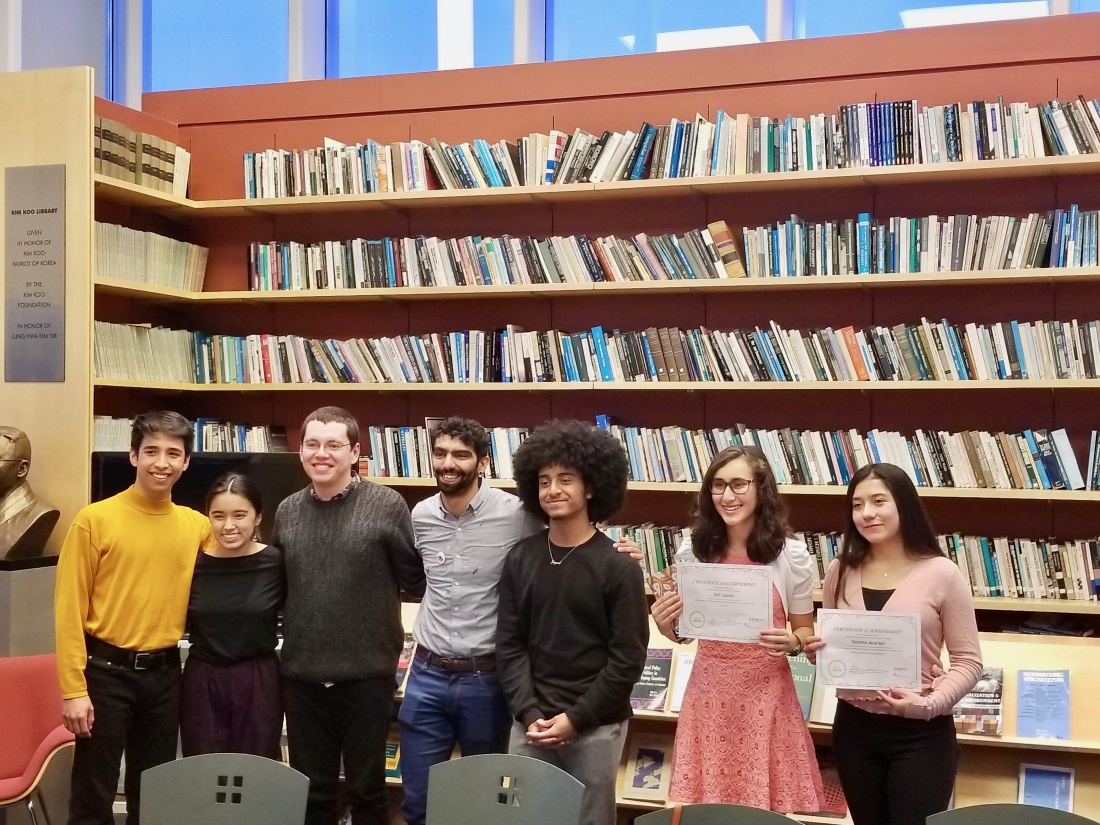 Image of Somos organizers and prize winners.