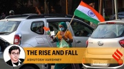 A woman selling the Indian Flag in Chandigarh